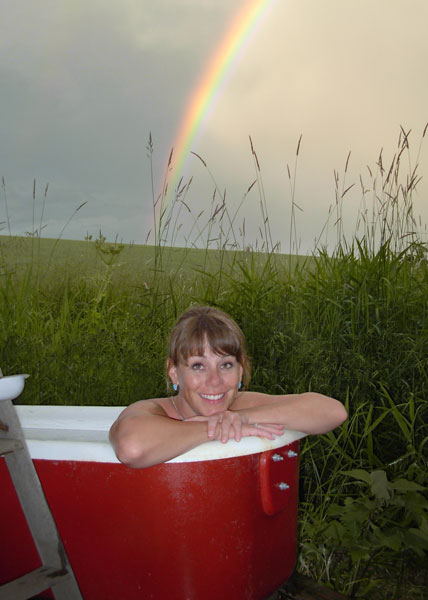 outdoor tub under the rainbow