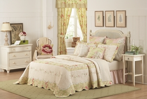 MaryJanes Home Prairie Bloom Bedspread